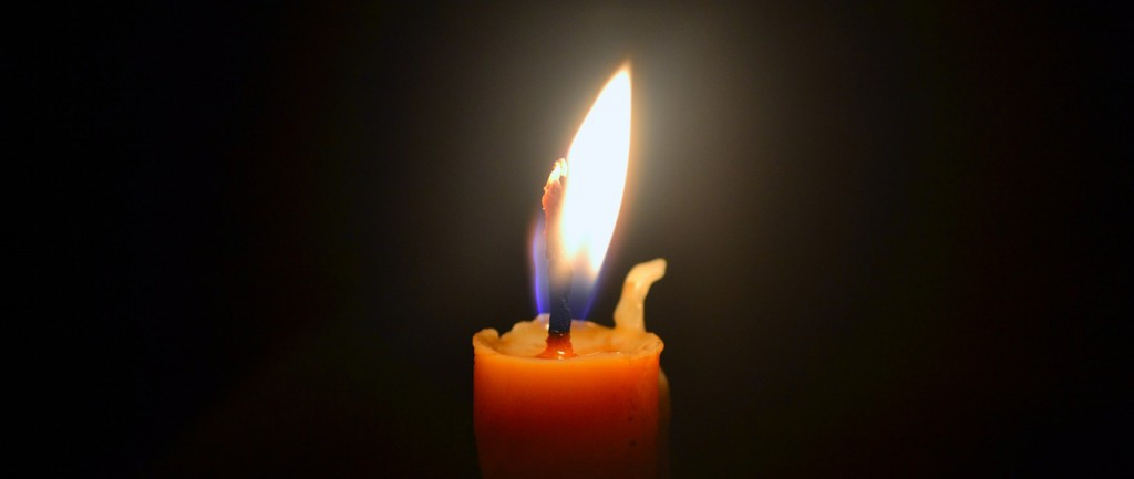 candle-704022_1280