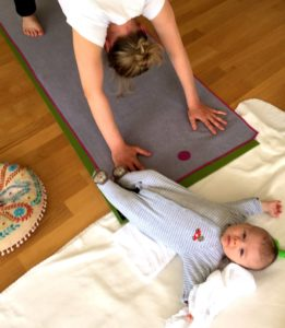 mummy baby yoga 1